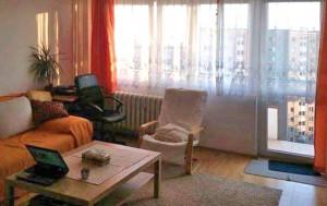 widok na salon w mieszkaniu na sprzedaż Warszawa