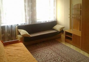 zdjęcie przedstawia salon w mieszkaniu na Woli