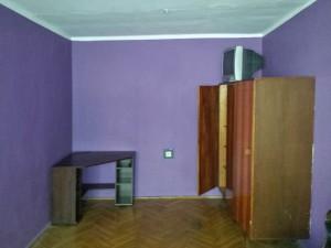 zdjęcie przedstawia duży pokój na Bielanach w Warszawie do sprzedaży