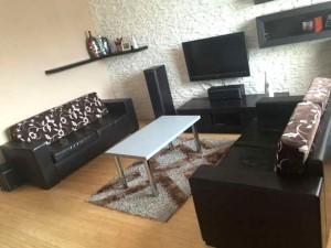 widok na salon w mieszkaniu do sprzedaż na Bemowie w Warszawie