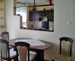 zdjęcie przedstawia wnętrze mieszkania do sprzedaży w Warszawie, w dzielnicy Włochy