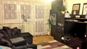 umeblowany duży pokój w mieszkaniu na sprzedaż