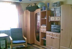 zdjęcie przedstawia duży pokój w mieszkaniu do sprzedaży w Warszawie, dzielnica Bielany