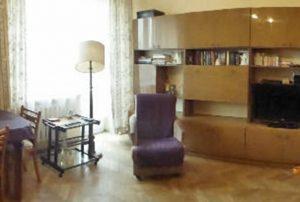 na zdjęciu salon w mieszkaniu na sprzedaż w centrum Warszawy Żoliborz