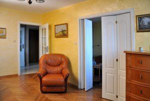 zdjęcie przedstawia mieszkanie do sprzedaży w Śródmieściu Warszawy