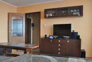 zdjęcie przedstawia wnętrze mieszkania do sprzedaży w Warszawie