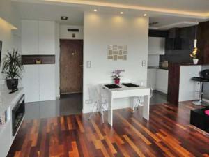 wnętrze mieszkania do sprzedaży w Warszawie na Bemowie