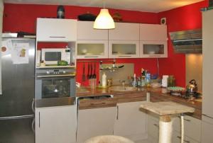 zdjęcie przedstawia wnętrze mieszkania do sprzedaży w Warszawie, w dzielnicy Śródmieście