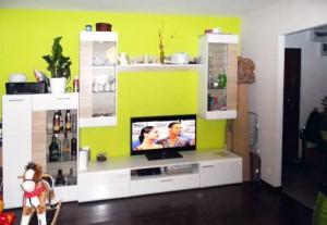 na zdjęciu  duży pokój w mieszkaniu na sprzedaż, w Warszawie na Bielanach