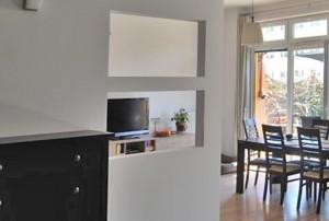 zdjęcie przedstawia salon w mieszkaniu na sprzedaż w Warszawie, dzielnica Wola