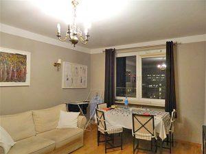 zdjęcie salonu w mieszkaniu na sprzedaż w Warszawie - Wola