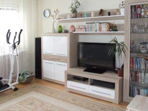 zdjęcie przedstawia duży pokój w mieszkaniu do sprzedaży w Warszawie, w dzielnicy Bemowo