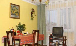 duży pokój w mieszkaniu do sprzedaży na warszawskim Mokotowie