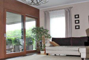 na zdjęciu wnętrze luksusowego mieszkania na sprzedaż w Warszawie
