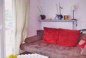 zdjęcie przedstawia fragment salonu w mieszkaniu do sprzedaży w Warszawie na Bemowie