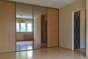 na zdjęciu mieszkanie do sprzedaży w Warszawie, w dzielnicy Bielany
