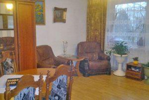 zdjęcie przedstawia salon w mieszkaniu na Bemowie, w Warszawie do sprzedaży