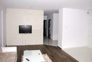 na zdjęciu salon w mieszkaniu na sprzedaż w Warszawie na Bielanach