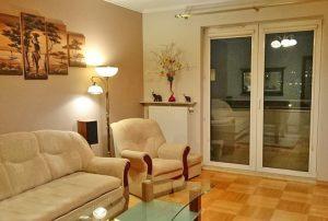 zdjęcie przedstawia salon w mieszkaniu na sprzedaż w Warszawie, na Bemowie