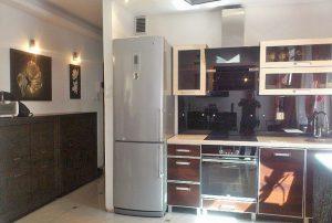 zdjęcie przedstawia fragment kuchni w mieszkaniu na sprzedaż w Warszawie - Bemowo