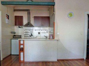 na zdjęciu aneks kuchenny w mieszkaniu na sprzedaż w Warszawie na Żoliborzu