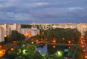 przepiękny widok z okna w mieszkaniu na sprzedaż w Warszawie