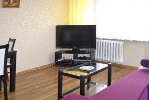 widok na salon w mieszkaniu na Bemowie w  Warszawie do sprzedaży