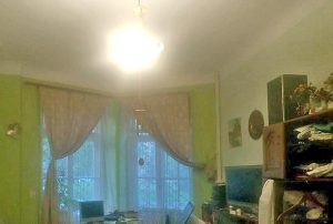 fragment salonu w mieszkaniu na sprzedaż w Warszawie