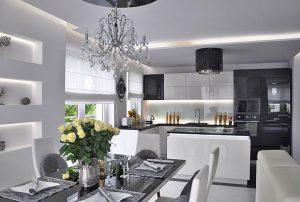 na zdjęciu widok z jadalni na luksusowe wnętrze mieszkania w Warszawie do sprzedaży