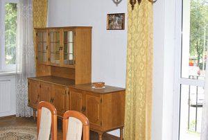 na zdjęciu  fragment salonu w mieszkaniu do sprzedaży w Warszawie