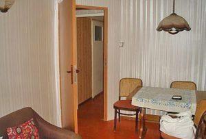na zdjęciu wnętrze mieszkania na sprzedaż w Warszawie