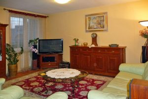 komfortowy salon w mieszkaniu na sprzedaż Warszawa