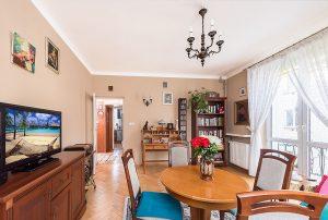 stylowe wnetrze salonu w mieszkaniu do sprzedaży Warszawa Bielany